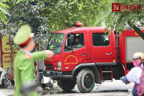Hà Nội: Quán cafe karaoke bất ngờ cháy dữ dội, 2 người thương vong - Ảnh 5