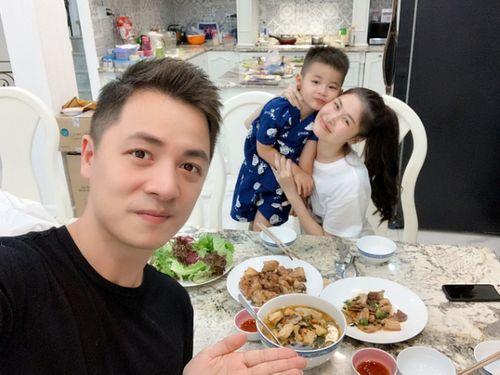 """Dở khóc dở cười các mỹ nhân Việt bị ông xã """"dìm hàng"""" ngày 8/3 - Ảnh 4"""