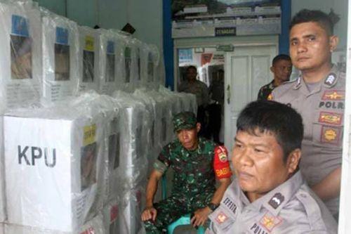 Gần 70 nhân viên và cảnh sát Indonesia tử vong do kiệt sức vì bầu cử - Ảnh 1