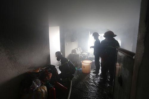 Đà Nẵng: Cháy căn hộ tầng 12 chung cư nghi do nổ gas - Ảnh 3