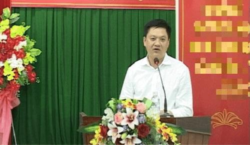 Chủ tịch quận Ninh Kiều giải thích về việc ký lệnh khám xét tiệm vàng mua 100 USD - Ảnh 1