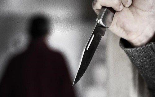 Nam thanh niên bị người yêu đồng tính kề dao vào cổ, cướp xe máy sau khi quan hệ - Ảnh 1