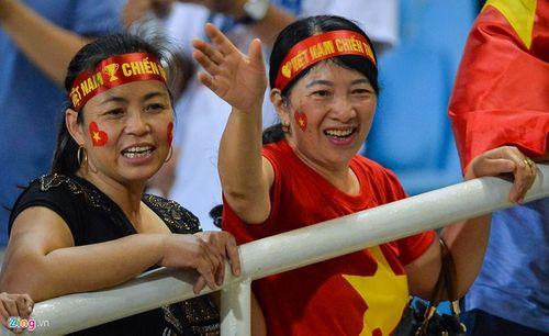 Bán kết AFF Cup 2018 Việt Nam 2 -1 Philippines: Công Phượng, Quang Hải lập công - Ảnh 12