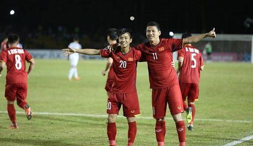 Bán kết AFF Cup 2018 Việt Nam 2 -1 Philippines: Công Phượng, Quang Hải lập công - Ảnh 11