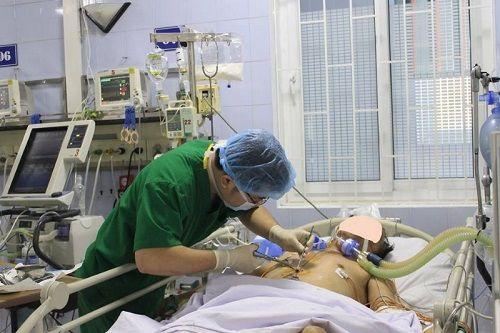 """6 giờ cân não đưa sỹ quan công an nguy kịch vì bệnh tim thoát khỏi """"cửa tử"""" - Ảnh 1"""