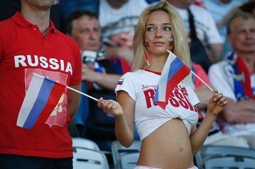 Liên đoàn bóng đá Argentina bị chỉ trích vì dạy cách tán tỉnh phụ nữ Nga ở World Cup - Ảnh 1