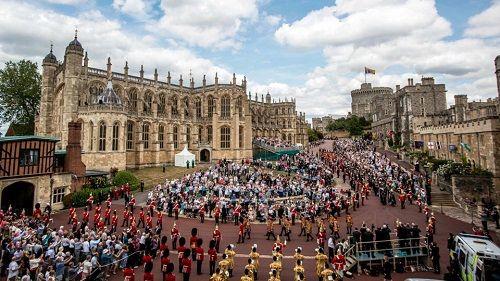 Những hình ảnh đầu tiên về đám cưới Hoàng tử Harry và diễn viên Meghan Markle - Ảnh 4