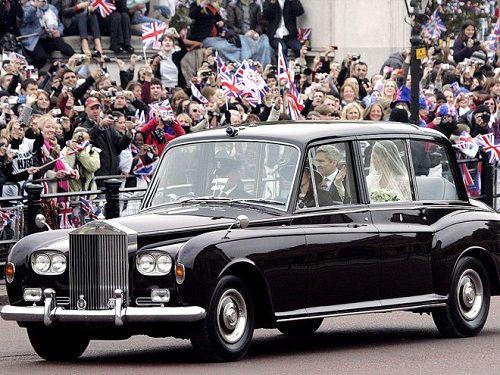 """Ngắm chiếc xe cổ điển mà Hoàng tử Harry """"cầm cương"""" trong đám cưới - Ảnh 1"""