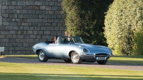 """Ngắm chiếc xe cổ điển mà Hoàng tử Harry """"cầm cương"""" trong đám cưới - Ảnh 5"""