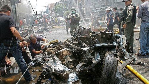Hơn 10 quả bom phát nổ đồng loạt ở Thái Lan  - Ảnh 1