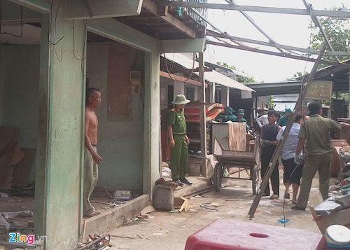 Cần Thơ: 5 căn nhà đổ xuống sông trong tích tắc do sạt lở - Ảnh 4