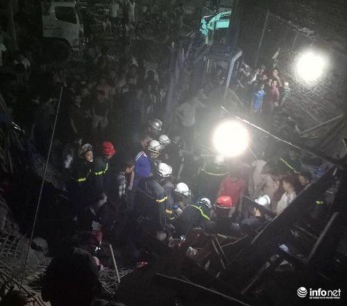 Hà Nội: Ngôi nhà đang xây bỗng đổ sập lúc nửa đêm, 4 người thương vong - Ảnh 1