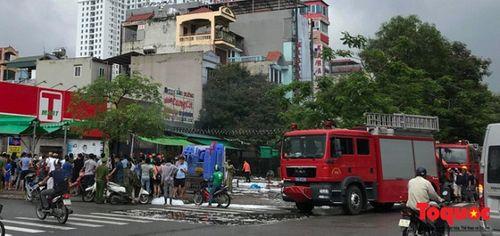 Hà Nội: Cháy lớn tại nhà hàng, một người tử vong - Ảnh 3