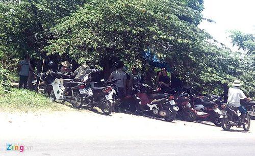 Điều tra trọng án tại Hà Nội: Nhân viên trung tâm cai nghiện chém 3 người rồi tự sát - Ảnh 1