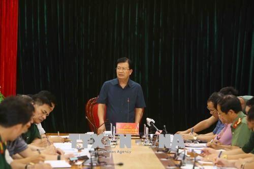 Phó Thủ tướng Trịnh Đình Dũng chỉ đạo khắc phục sạt lở tại Hòa Bình - Ảnh 1