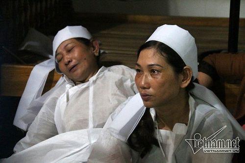 Vụ tai nạn 13 người chết ở Quảng Nam: Xót xa khăn tang dọc trắng thôn Lương Điền - Ảnh 10