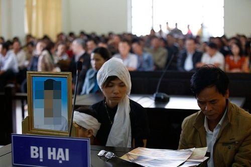 """Vụ """"con nợ"""" giết người rồi chôn xác ở Lâm Đồng: Lời khai của hung thủ không khớp với cáo trạng - Ảnh 1"""