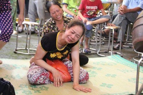Vụ 2 vợ chồng bị giết hại tại Hưng Yên: Xót xa cảnh người đầu bạc tiễn kẻ đầu xanh - Ảnh 7