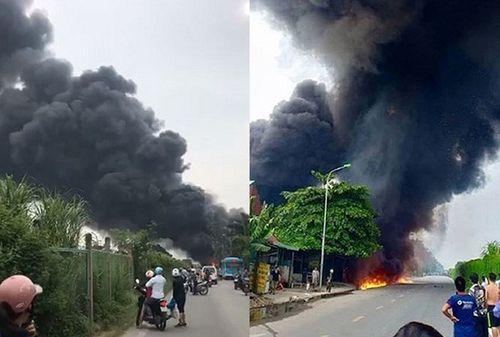 Hiện trường vụ hỏa hoạn kinh hoàng tại xưởng sơn Hà Nội - Ảnh 2