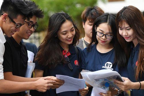 Hàng loạt các trường Đại học dự kiến giảm mạnh điểm chuẩn trước hạn chót - Ảnh 1