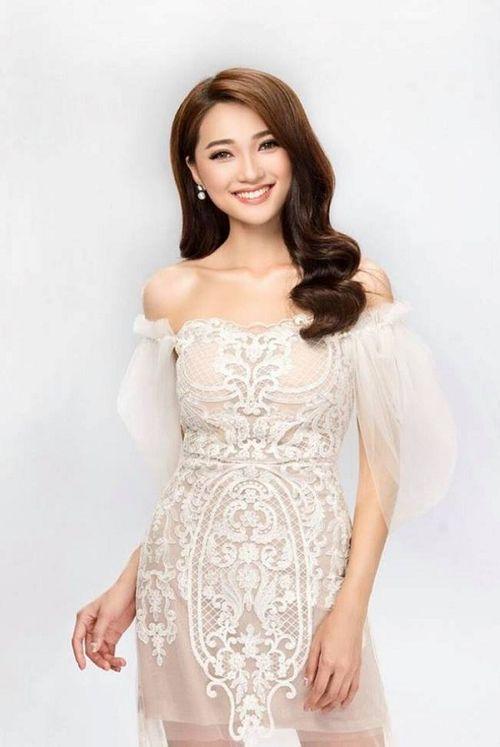 """Ngắm vẻ đẹp hút hồn của """"bạn gái tin đồn"""" người hùng U23 Phan Văn Đức - Ảnh 2"""