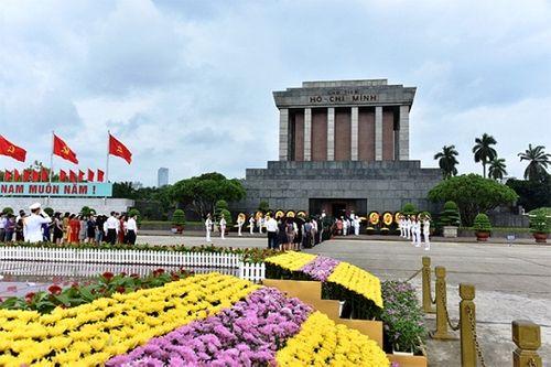 Lãnh đạo Đảng, Nhà nước vào Lăng viếng Chủ tịch Hồ Chí Minh - Ảnh 7