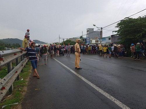 Khởi tố 9 đối tượng kích động người dân chặn đường quốc lộ trong đêm  - Ảnh 2