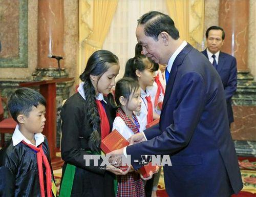Chủ tịch nước Trần Đại Quang luôn dành tấm lòng yêu thương cho thiếu niên, nhi đồng - Ảnh 14
