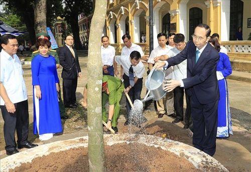 Chủ tịch nước Trần Đại Quang luôn dành tấm lòng yêu thương cho thiếu niên, nhi đồng - Ảnh 6