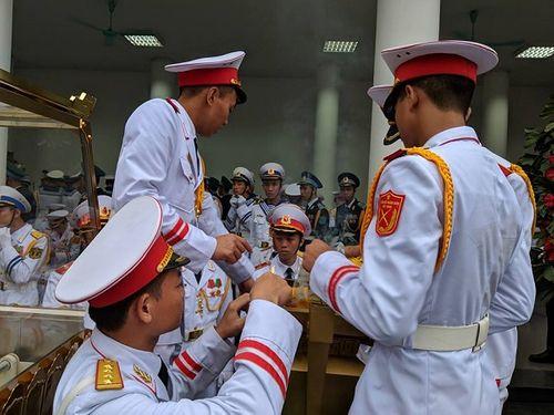 Linh cữu Chủ tịch nước Trần Đại Quang bắt đầu được đưa về đất mẹ Ninh Bình - Ảnh 1