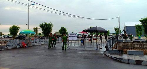 Linh cữu Chủ tịch nước Trần Đại Quang bắt đầu được đưa về đất mẹ Ninh Bình - Ảnh 11