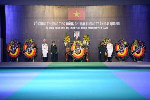 Linh cữu Chủ tịch nước Trần Đại Quang bắt đầu được đưa về đất mẹ Ninh Bình - Ảnh 8