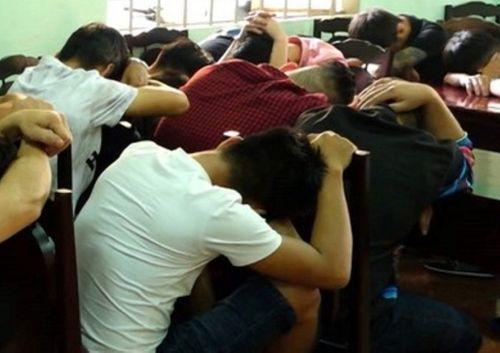Đồng Nai: Đột kích quán bar, phát hiện 66 đối tượng dương tính với ma túy - Ảnh 1
