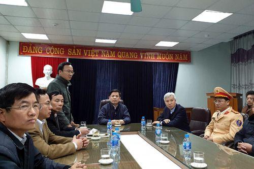 Bộ trưởng GTVT chủ trì họp báo vụ tai nạn kinh hoàng 8 người chết tại Hải Dương - Ảnh 1