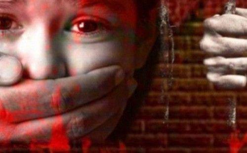 Phẫn nộ thầy giáo hiếp dâm học sinh 8 tuổi đến thương tích ngay trong trường học - Ảnh 1