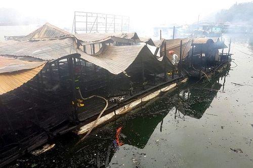 Quảng Ninh: Nhà bè hơn 100m2 bị thiêu rụi trong phút chốc vì bất cẩn khi thắp hương cuối năm - Ảnh 2