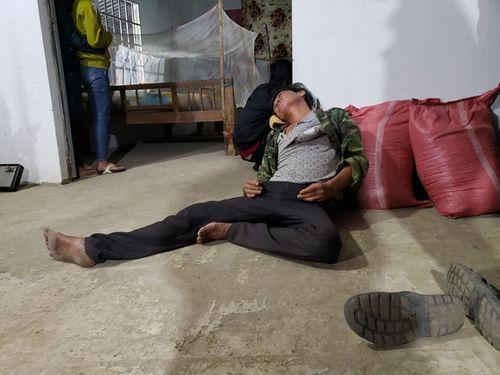 Vụ tai nạn kinh hoàng ở Long An: Đám tang lúc 3h sáng tại căn nhà tình thương nơi xóm nghèo - Ảnh 3