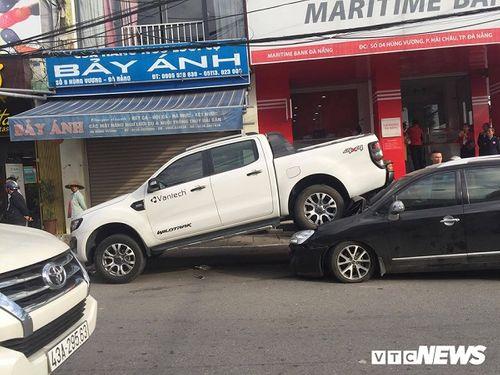 """Đà Nẵng: Xe """"điên"""" đi lùi gây tai nạn liên hoàn, 2 người bị thương - Ảnh 2"""