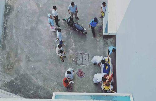 Thừa Thiên - Huế: Rơi từ tầng lầu bệnh viện xuống đất, cô gái trẻ tử vong thương tâm - Ảnh 1