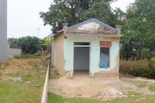 Nhân chứng đầu tiên phát hiện thi thể nữ sinh bị sát hại ở Điện Biên: Bàng hoàng khi chồng bị triệu tập - Ảnh 1