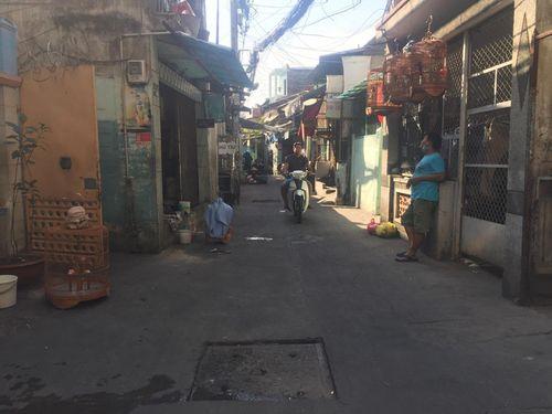 TP.HCM: Hỗn chiến trong đêm, 2 nam thanh niên bị đánh trọng thương - Ảnh 1