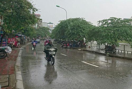 Dự báo thời tiết ngày 17/2/2019: Miền Bắc mưa dông diện rộng, cảnh báo tố lốc, mưa đá - Ảnh 1