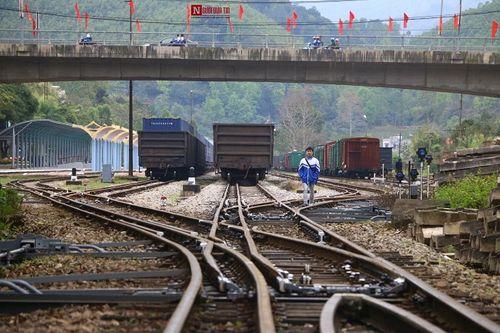 Cận cảnh cung đường sắt đón tàu bọc thép của nhà lãnh đạo Triều Tiên Kim Jong-un - Ảnh 2