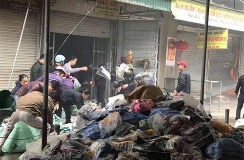 Bắc Ninh: Cháy lớn tại Trung tâm thương mại Chợ Giầu - Ảnh 3