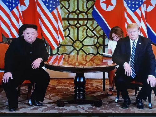 Tổng thống Donald Trump sẽ chủ trì họp báo vào chiều nay - Ảnh 1