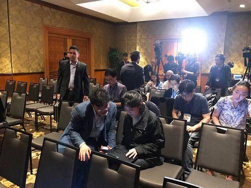 Toàn cảnh buổi họp báo của Triều Tiên tại khách sạn Melia lúc nửa đêm - Ảnh 6