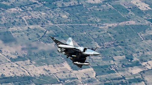 Ấn Độ tiếp tục bắn hạ máy bay không người lái thứ 3 của Pakistan - Ảnh 1