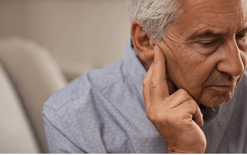 Bí quyết cải thiện ù tai của cụ ông 70 tuổi - Ảnh 1