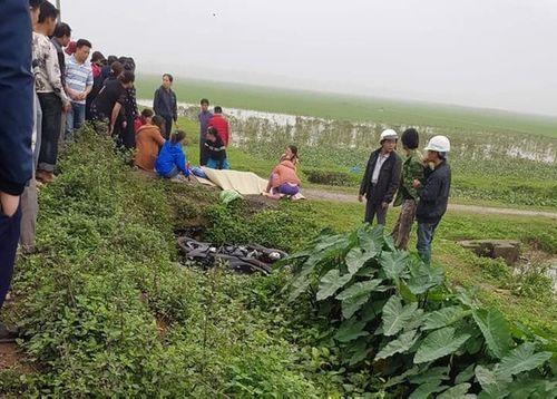 Người dân kinh hãi phát hiện thi thể nam thanh niên nằm cạnh bờ mương - Ảnh 1