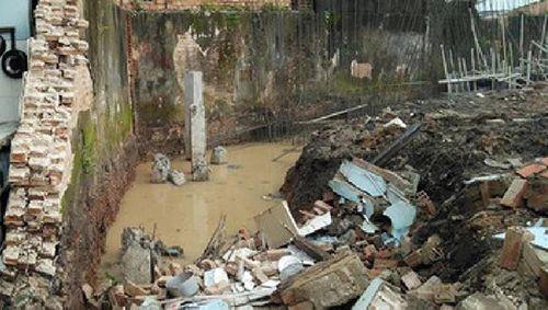 Nghệ An: Xót thương bố đào móng mương nước làm đổ tường bao, đè chết con gái 8 tuổi - Ảnh 1